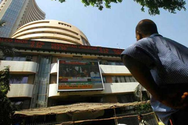 Sensex, Nifty open flat; Tata Motors, Hero MotoCorp gain