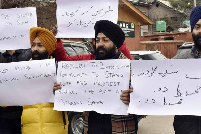 India weighs in as Sikhs in Pakistan face attacks