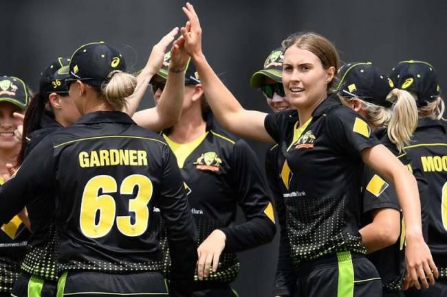India women vs Australia women T20 tri-series final live: Mandhana departs, India in trouble