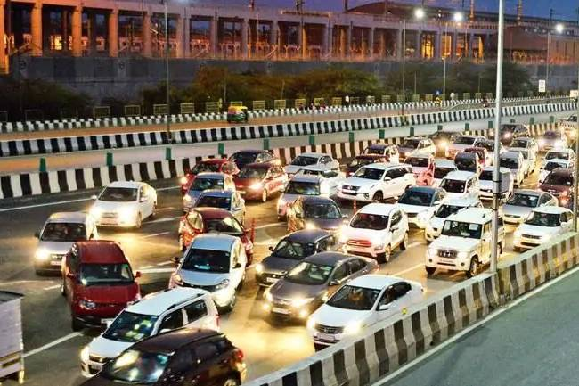 Red light on, engine off: Arvind Kejriwal calls on public to fight air pollution in Delhi-NCR