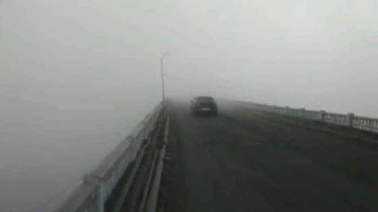 Dense fog blankets Delhi-NCR region, visibility drops to zero, flights, trains affected
